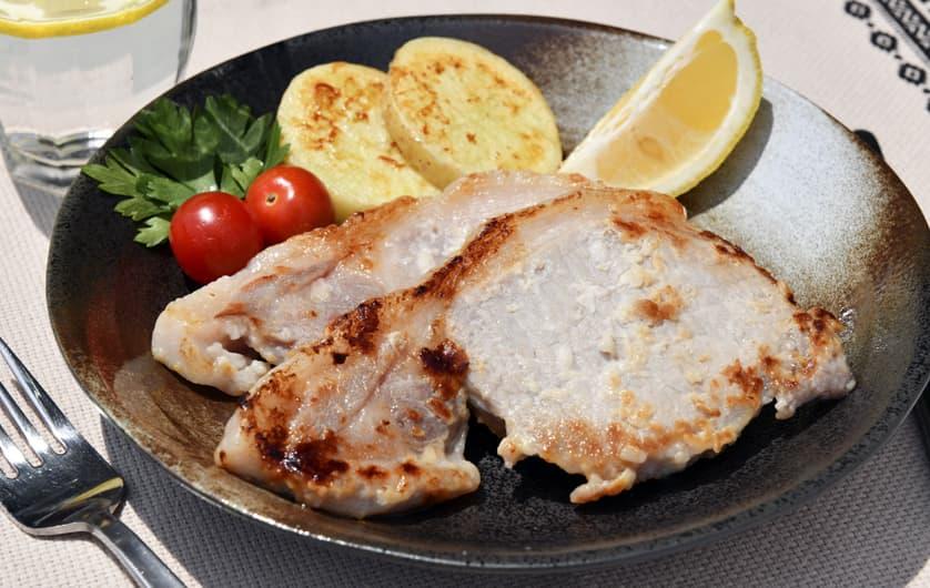 ロース肉の塩麹漬けソテー