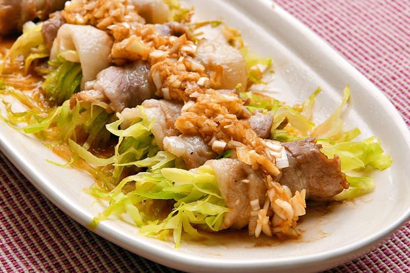 レンジで簡単 和豚もちぶたバラ肉のキャベツ巻き